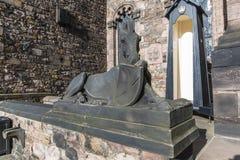 一匹马的雕象在爱丁堡城堡-苏格兰的-英国 图库摄影