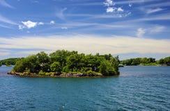 一千个海岛国家公园在金斯敦附近的安大略加拿大  免版税库存照片