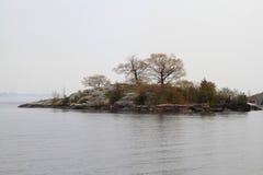 一千个海岛在金斯敦安大略地区在有雾的天 免版税图库摄影