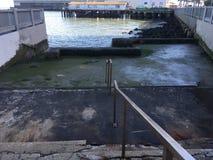 一原始的套台阶,有正确的下来旧金山湾, 2 库存图片