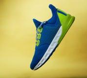 一双五颜六色的运动鞋鞋子 图库摄影