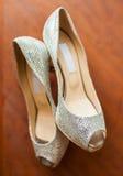 一双品牌少的婚礼鞋子 免版税图库摄影