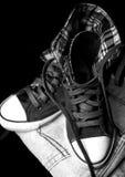 一双时髦的运动鞋的照片 库存图片