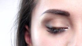 一双淡褐色眼睛的详细的射击 特写镜头 影视素材