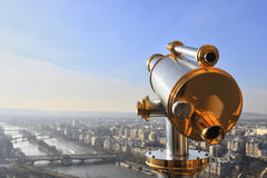 埃佛尔铁塔望远镜 免版税库存图片