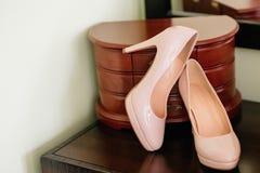 一双鞋新娘的 免版税图库摄影