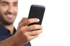 一只人手的特写镜头使用一个巧妙的电话的 库存照片