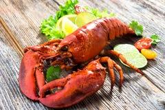一只可口新近地煮沸的龙虾 免版税库存图片