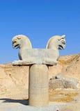 一只呼玛鸟的雕塑在波斯波利斯,伊朗 免版税库存照片