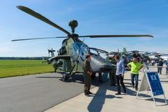 一只四刃状,有双发动机的攻击用直升机欧洲直升机公司老虎 免版税图库摄影