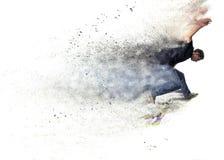一只男孩实践的冰鞋的设计在冰鞋公园 免版税库存图片