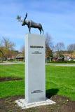 一只麋的雕塑在奈达,立陶宛 库存图片