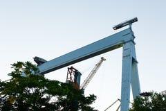 一台大口岸起重机, 900吨的 免版税库存照片