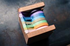 一台木透明胶带分配器 免版税库存照片