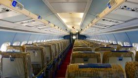 一台空的客机的内部看法 免版税库存照片