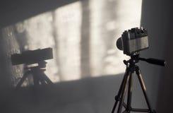 一台经典照相机的阴影 库存图片