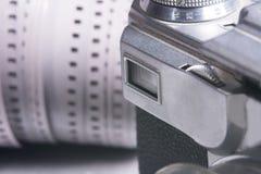 一台老影片照相机的特写镜头反光镜 免版税库存图片