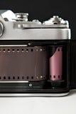 一台老照相机的片段与影片的 图库摄影
