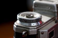 一台老葡萄酒影片照相机的细节,宏指令 库存照片