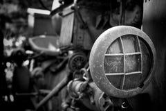 一台被放弃的老拖拉机 库存照片