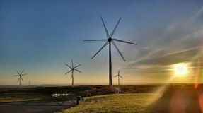 一台风轮机的HDR在康沃尔郡 免版税库存照片