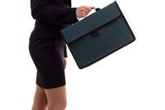 一名女实业家的特写镜头纵向有公文包的 库存图片