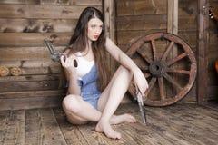 一名妇女的画象有长的流动的头发的 免版税库存图片