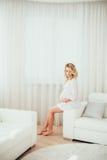 一名孕妇 免版税图库摄影