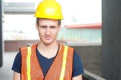 一名愉快的建筑工人的画象 库存照片