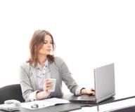一名新深色的女实业家在工作 免版税库存图片