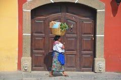 一名玛雅妇女的画象 库存图片