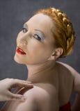 一名红发妇女的画象 免版税图库摄影