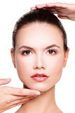 一名美丽的妇女的完善的面孔 秀丽和审美医学 库存图片