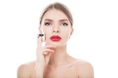 一名美丽的妇女的特写镜头画象有秀丽面孔和干净的皮肤的 库存图片