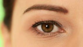 一名美丽的妇女的眼睛。 影视素材