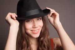 一名美丽的妇女的纵向有长的头发的 免版税库存图片