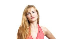 一名美丽的白肤金发的smilling的妇女的画象 图库摄影
