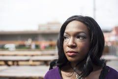 美丽的非裔美国人的妇女顶头射击  库存照片
