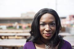 美丽的非裔美国人的妇女顶头射击  免版税库存图片