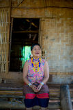 一名年长妇女的画象在农村老挝 库存图片