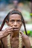 一名papuan妇女的画象从korowai部落的 库存图片
