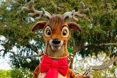 一在迪斯尼乐园游行的圣诞老人的驯鹿 库存照片