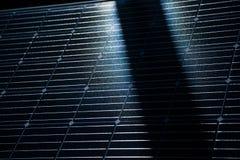 一块新的太阳电池板的特写镜头 Renewabvle能量,生态解答 电力生产 图库摄影