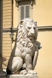 一头狮子的古老雕象在中世纪市佛罗伦萨 库存照片