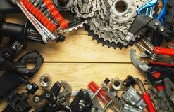 一套备件和工具为自行车升级 库存图片