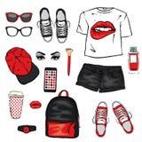 一套妇女` s衣裳 少年样式 有印刷品的以嘴唇的形式,背包,运动鞋,手表,智能手机,盖帽,短小T恤杉 向量例证