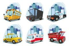 一套机器 救护车,火汽车,卡车,出租汽车,校车,警车 都市风景 反对城市的背景 库存图片