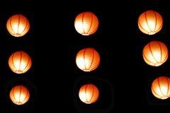 一套灯笼以背景黑暗 免版税库存照片