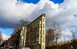 一套狭窄的XIX世纪脱离廉价公寓 免版税图库摄影