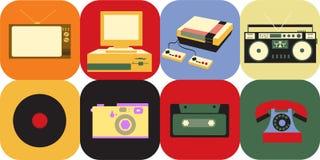 一套老葡萄酒减速火箭的电子象,电视显象管电视,从20世纪70年代, 80s的一台盒式磁带录音机和90s 库存例证